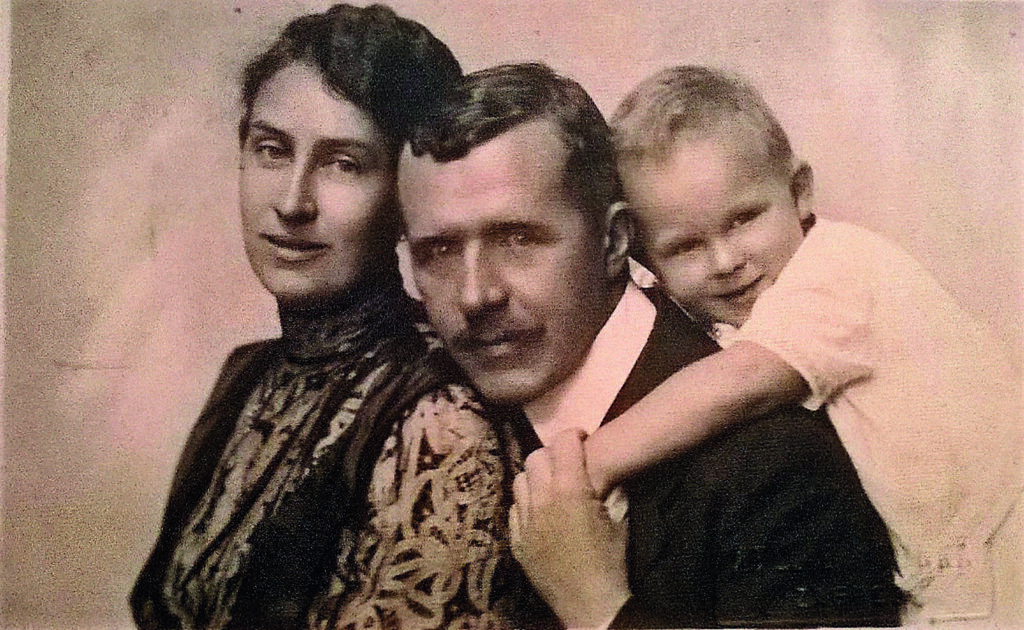 Vera, Milan i Zdenko Šenoa 1921.